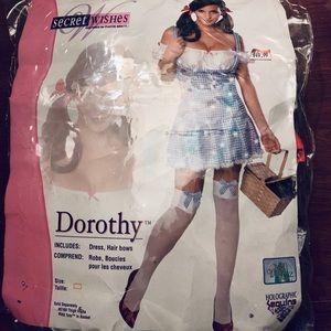 Women's Dorothy costume!